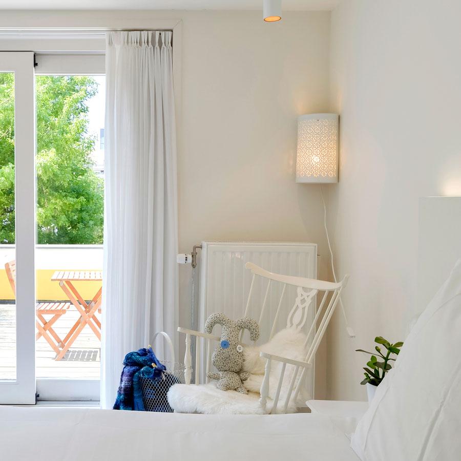 Cosy Small hotel kamer met een heerlijk balkon